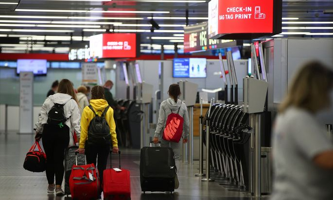 Coronavirus disease outbreak at Vienna International Airport