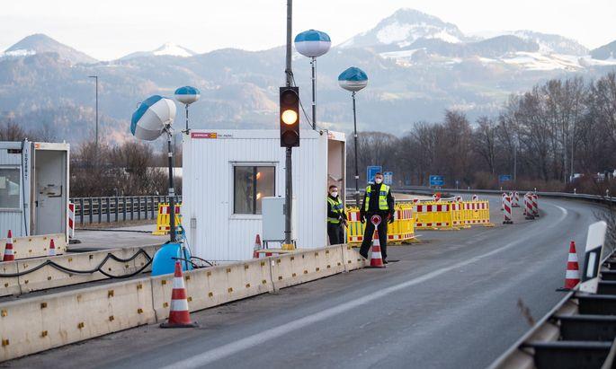 Grenzübergang zu Österreich (Symbolbild)