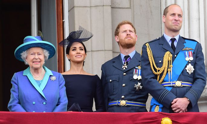 Queen Elizabeth II, Herzogin Meghan, Prinz Harry und Prinz William (Archivbild, Juli 2018).