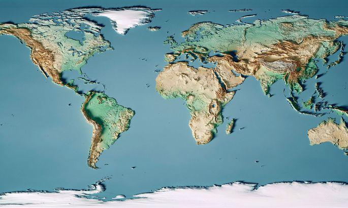 Verzerrt. So kennen wir sie alle: die Weltkarte, die in allen Schulatlanten zu finden war. Leider sind nur die Äquator-bereiche annähernd maßstabsgetreu.