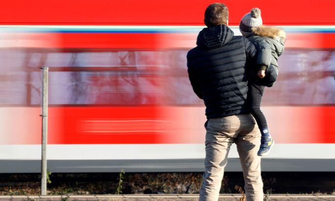 Das Verkehrsverhalten von Männern mit Kindern unterscheidet sich bisher kaum von dem der Männer ohne Kinder.