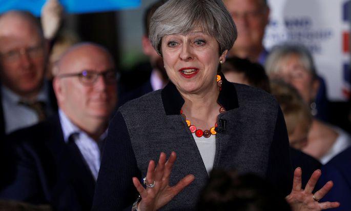 Theresa May wird bei Königin Elizabeth II. erwartet.