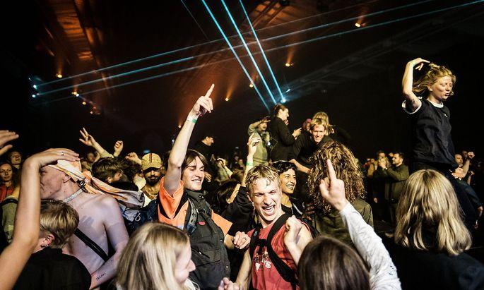 Concert goers Click Festival 2019.