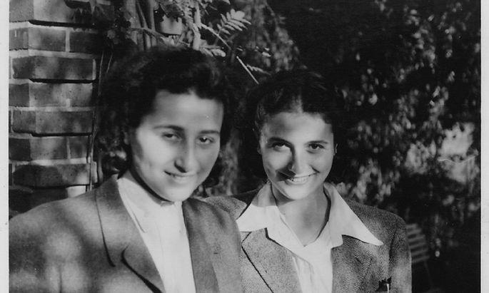 Anita Lasker (l.) mit ihrer Schwester. Sie überlebte Bergen-Belsen und Auschwitz. In einer BBC-Radioansprache erzählte sie 1945 von den Gräueln.