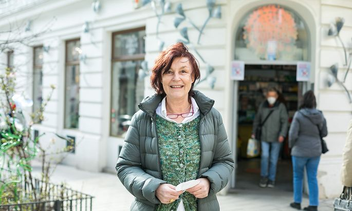 Karin Simonitsch, Marien-Apotheke