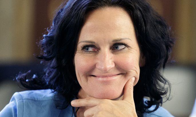 Grünen-Obfrau Eva Glawischnig wurde in einem Posting eine allzu freundliche Haltung gegenüber Flüchtlingen vorgeworfen.