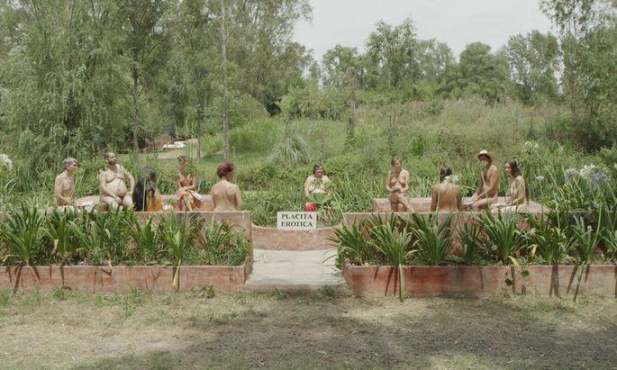 """Im Diagonale-Siegerfilm """"Die Liebhaberin"""" von Lukas Valenta Rinner sorgt ein Nudistencamp für soziale Unrast."""