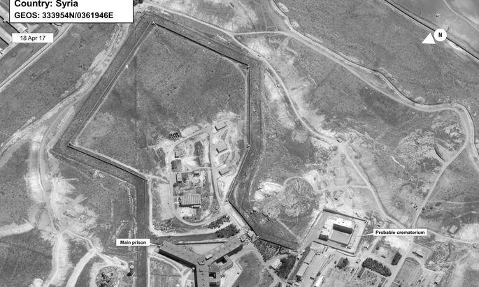 Satellitenaufnahme des Gefängnisses Sednaya. Das mutmaßliche Krematorium befindet sich rechts außerhalb des Komplexes.