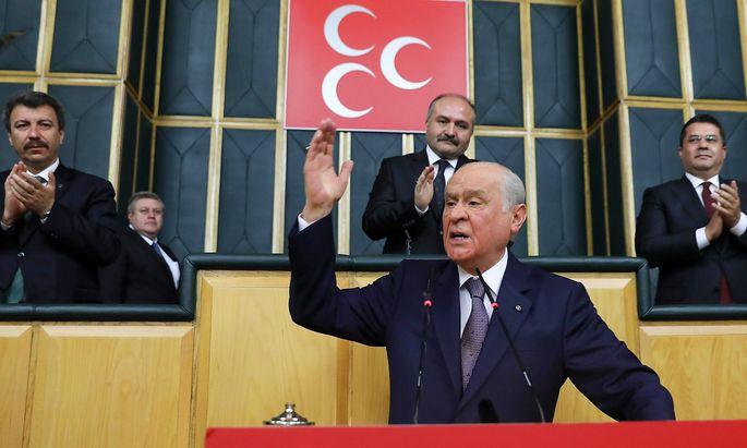 MHP-Chef Devlet Bahceli geht bei den nächsten Wahlen ein Bündnis mit der AKP von Präsident Recep Tayyip Erdogan ein.
