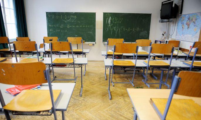 Neben den Volksschulzeugnisnoten sollen auch die Ergebnisse bei bereits bestehenden standardisierten Bildungstests ausschlaggebend sein.