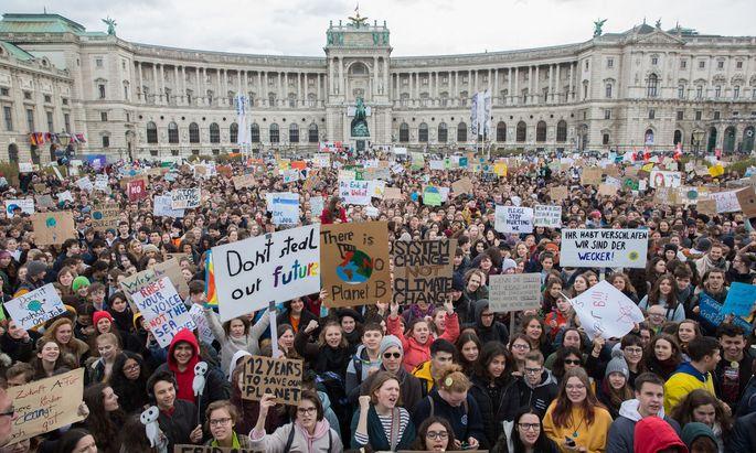 """Die """"Fridays for Future""""-Bewegung mobilisierte Millionen von Menschen rund um den Globus."""
