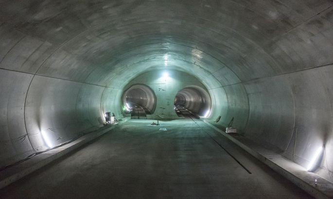 Hohe Temperaturen tief im Berg: Fast 40 Grad werden im Brenner-Basistunnel gemessen.