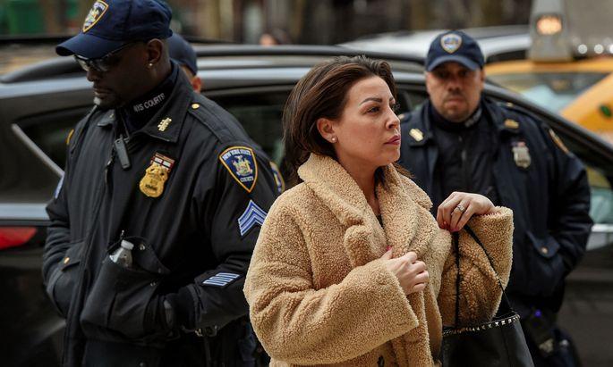 Mimi Haleyi wurde verhört.