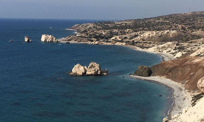 Im Bus quer durch Zypern: Strände, denen Göttinnen entstiegen.