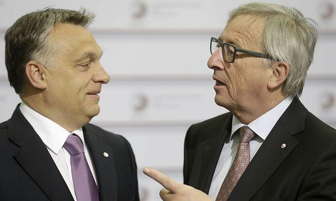 Erhobener Zeigefinger: Juncker droht Orban