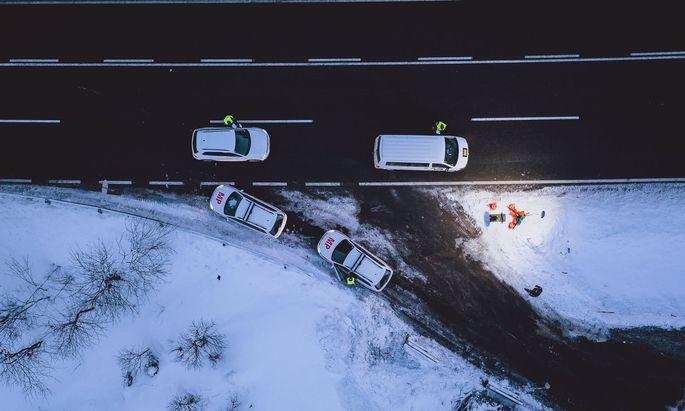 Am Pass Thurnin Tirol werden am 12. Februar alle Ausreisenden kontrolliert. Ausreisen darf nur, wer Covid-negativ ist.
