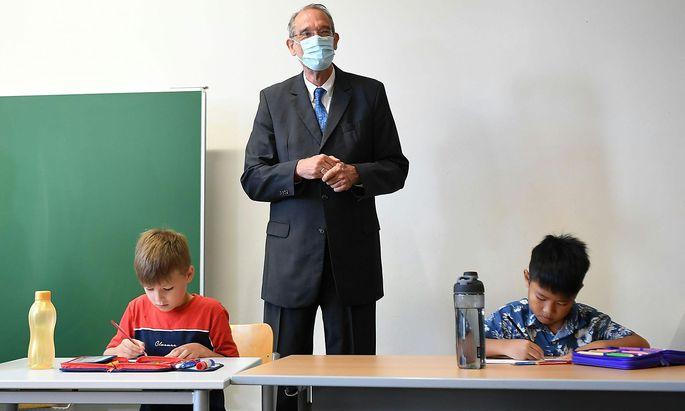 Bildungsminister Heinz Faßmann (ÖVP) freut sich über eine beinahe Verdopplung der Anmeldezahlen für die Sommerschule.