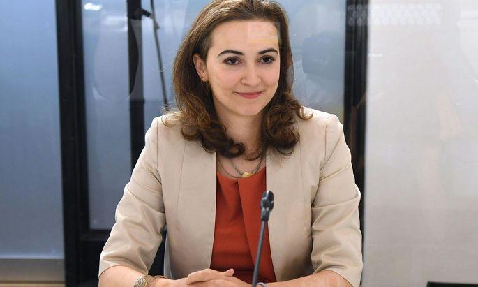 Im U-Ausschuss wird derzeit auf Ladung der Volkspartei Justizministerin Alma Zadic befragt.