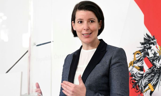 """""""Die Pandemie ist dann vorbei, wenn sie für die Welt vorbei ist"""" - und das werde nicht Ende Juni geschehen, so Impfkoordinatorin Katharina Reich."""