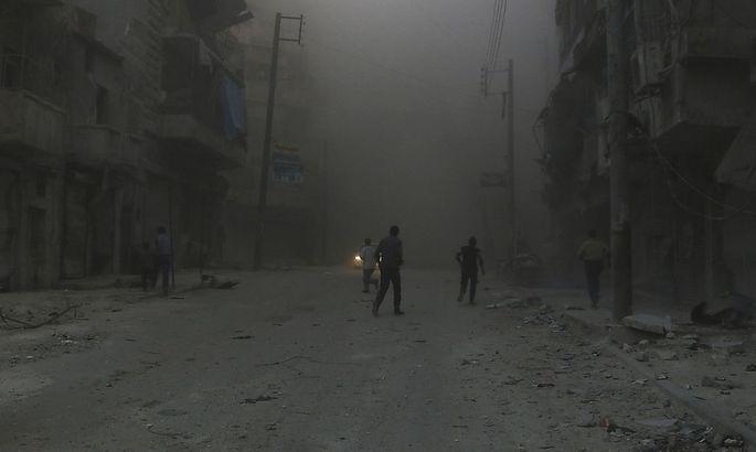 Symbolbild: Die syrische Stadt Aleppo nach einem Bombenangriff