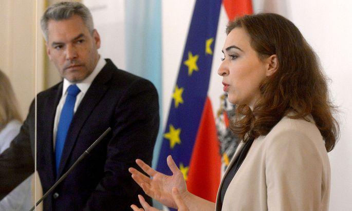Die Regierung hat am Freitag ihre Pläne zum Anti-Terror-Paket präsentiert. Große Änderungen gab es nicht mehr.