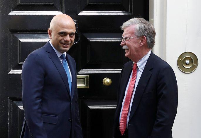 Trafen sich in der Downing Street: Der britische Finanziminister und Sajid Javid und US-Sicherheitsberater John Bolton.
