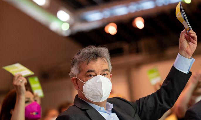 Werner Kogler verteidigte am Bundeskongress der Grünen die Regierungsarbeit seines Teams.