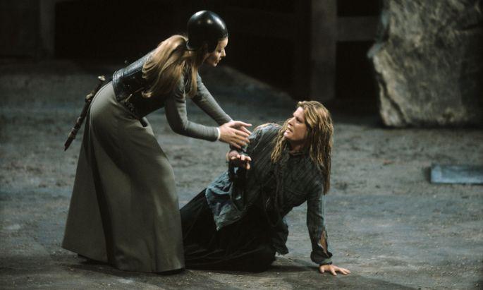 Gwyneth Jones als Brünnhilde und Jeannine Altmeyer als Sieglinde bei Chéreau, 1980.