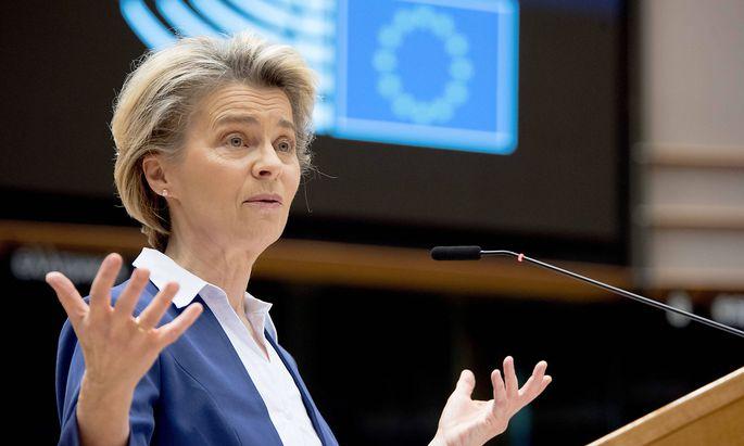 EU-Kommissionspräsidentin Ursula von der Leyen hat sich als Hauptakteurin in den Vordergrund gespielt. Nun muss sie auch Kritik akzeptieren.