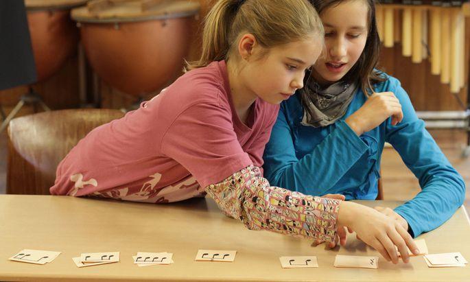Schülerinnen einer Waldorfschule