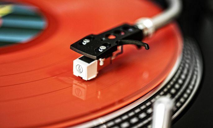 Genauer gepresste Rillen sorgen für besseren Klang und ermöglichen längere Spielzeit.