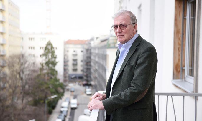 Caspar Einem, geboren 1948 in Salzburg, von 1995 bis 1997 Innenminister, danach bis 2000 Wissenschaftsminister.