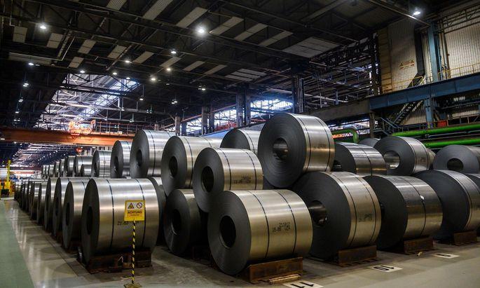 Von den Produktionskürzungen sind in Deutschland die Werke in Eisenhüttenstadt und Bremen betroffen.