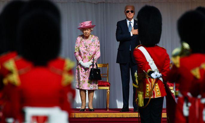 Queen Elizabeth II. mit US-Präsident Joe Biden auf Schloss Windsor.