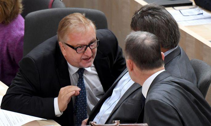 SPÖ-Bundesgeschäftsführer Christoph Matznetter rückt zur Verteidigung der SPÖ aus.