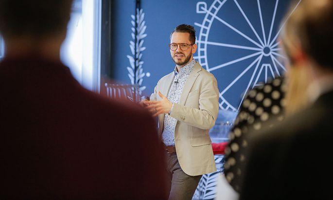 """Entrepreneur und Autor Samuel Koch präsentierte beim Wake Up der """"Presse"""" seine Gedanken über jene jungen Menschen, die etwas bewegen wollen, sich aber nicht verstanden fühlen."""