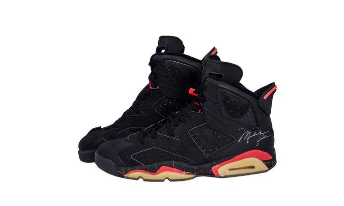 Michael Jordans Sneakers, die er im NBA-Finale 1991 getragen hatte, kommen unter den Hammer.