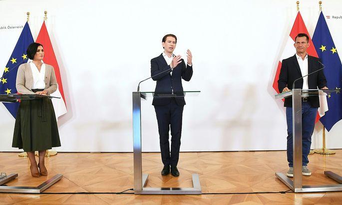 Tourismusministerin Elisabeth Köstinger, Bundeskanzler Sebastian Kurz und Gesundheitsminister Wolfgang Mückstein rufen zum Impfen auf.