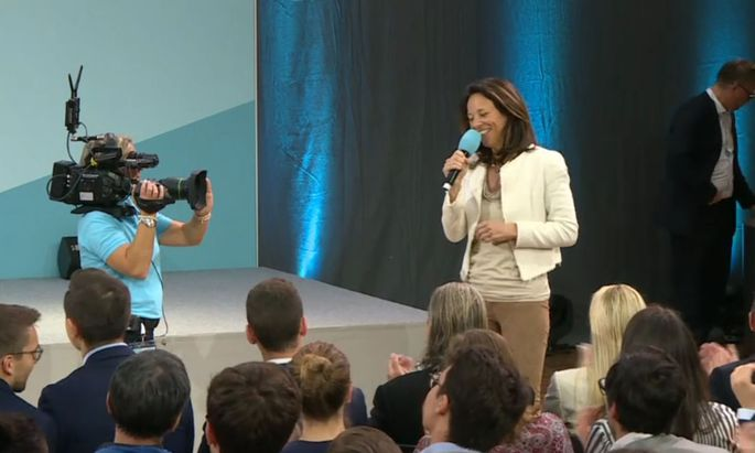 Darf eine Moderatorin des ORF als Privatperson öffentlich Politiker loben? Russwurm bei einer ÖVP-Veranstaltung am Wochenende.