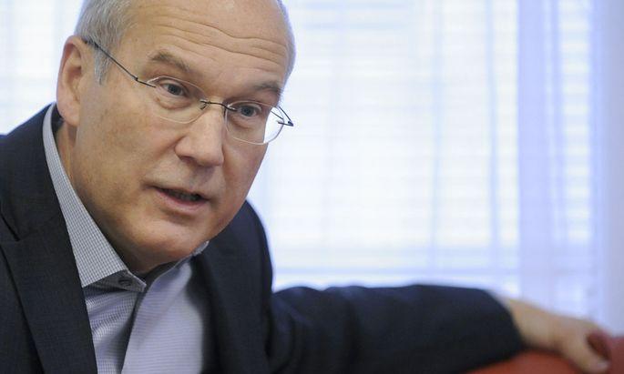 REWE INTERNATIONAL-VORSTANDSVORSITZENDER FRANK HENSEL IM KLUB DER WIRTSCHAFTSPUBLIZISTEN