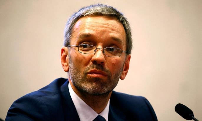 """""""Kickl ist als Innenminister nicht mehr tragbar"""", meint SPÖ-Fraktionsführer Jan Krainer im BVT-U-Ausschuss."""