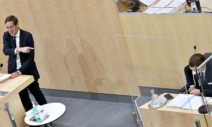 SPÖ-Abgeordneter Jan Krainer und Finanzminister Gernot Blümel (ÖVP)