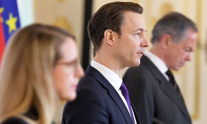 Finanzminister Blümel (Mitte) hätte nichts gegen eine Dividenden-Ausschüttung.