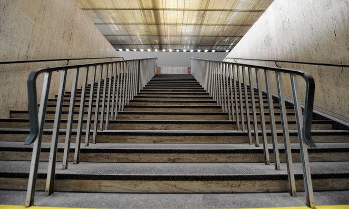 Öffentlich zugängliche Treppen müssen gesichert werden. Warum jemand die Stiegen nutzen wolle, tue nicht viel zur Sache.