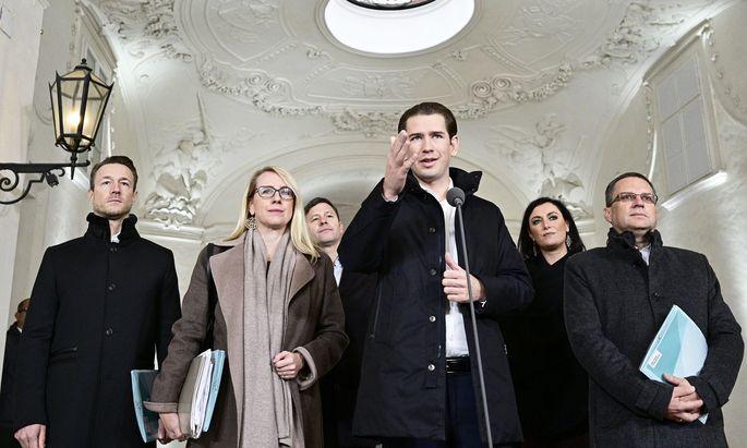 Das ÖVP-Verhandlungsteam: Gernot Blümel, Margarethe Schramböck, Stefan Steiner, Sebastian Kurz, Elisabeth Köstinger und August Wöginger