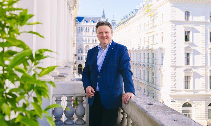 Wohnbaustadtrat Michael Ludwig setzte sich beim SPÖ-Landesparteitag am Samstag gegen Andreas Schieder durch. Ende Mai übergibt ihm Michael Häupl das Bürgermeisteramt.