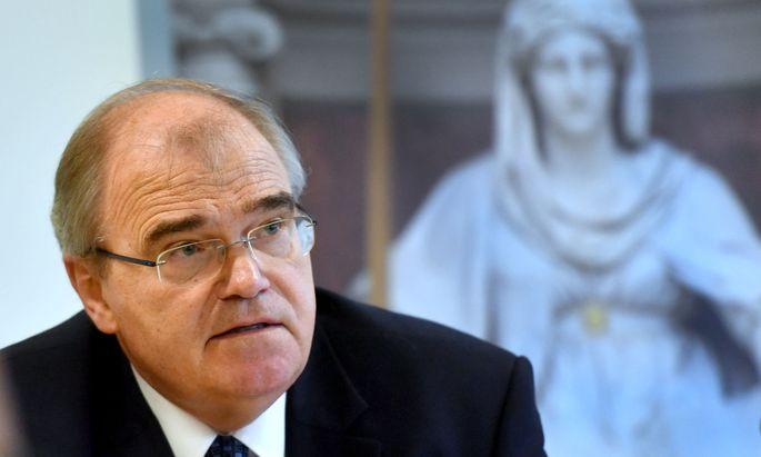 Wolfgang Brandstetter will sein Amt als Verfassungsrichter bis zum 1. Juli zurücklegen.