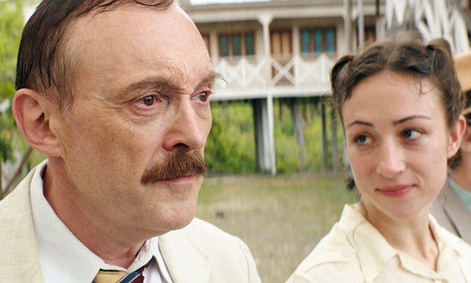 Josef Hader und Aenne Schwarz in ''Vor der Morgenröte''