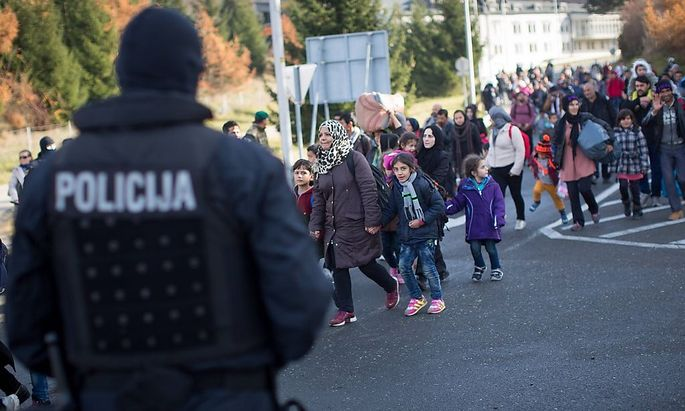 Österreich weist Hunderte Migranten nach Slowenien zurück