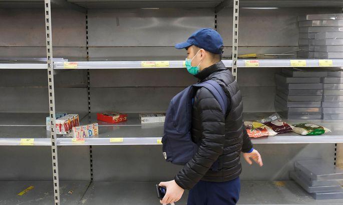 In Hongkong wurden viele Supermärkte nach dem Ausbruch des Coronavirus leergekauft.